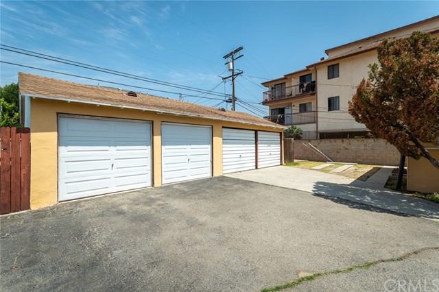 417 Irving Avenue, Glendale CA: http://media.crmls.org/medias/d0708359-a258-4210-a9f0-459e34d75e09.jpg