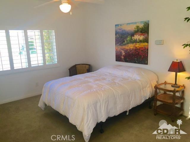 5 Varsity Circle, Rancho Mirage CA: http://media.crmls.org/medias/d07565c5-b555-493d-92fe-fcf335f552a4.jpg