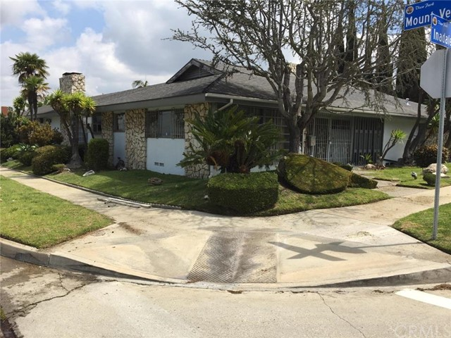 Single Family Home for Sale at 4804 Inadale Avenue Los Angeles, California 90043 United States