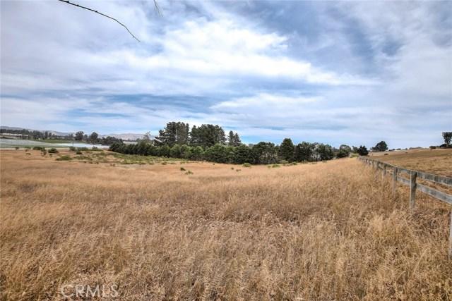 1400 Eucalyptus Road, Nipomo CA: http://media.crmls.org/medias/d0877003-f2c3-4260-be33-ed7c45b67852.jpg