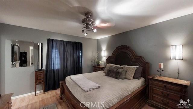 16465 Via el Rancho, Desert Hot Springs CA: http://media.crmls.org/medias/d087cbce-670b-421f-8939-3e5ad3c82637.jpg