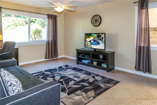 2111 W Chalet Avenue Anaheim, CA 92804 - MLS #: OC18268246