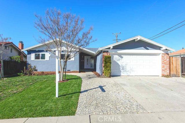 44982 Winding Lane, Fremont CA: http://media.crmls.org/medias/d08dec7e-f1f0-43a2-ade0-7bc0d6bc4635.jpg