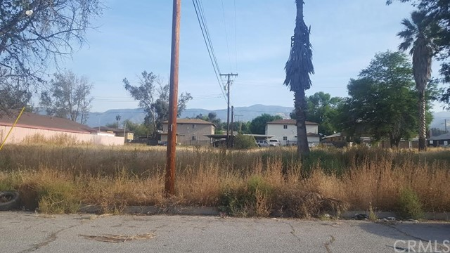 Single Family for Sale at 2168 Sunrise Lane San Bernardino, California 92404 United States