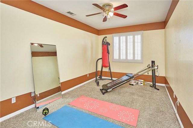 14955 Corlita Street, Victorville CA: http://media.crmls.org/medias/d09fdf4f-5a41-446d-b143-38a3662a815b.jpg