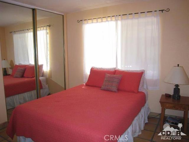 77325 Calle Arroba, La Quinta CA: http://media.crmls.org/medias/d0ad8c4b-7020-46f9-8a9f-16ae18cbb7cc.jpg