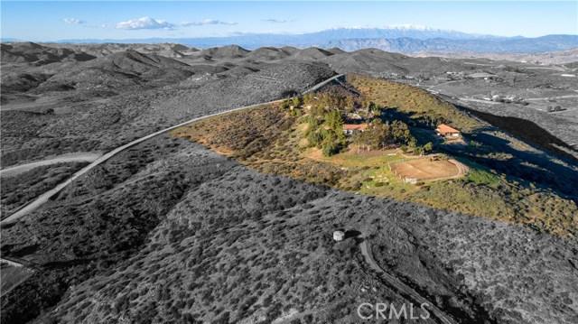 33800 Black Mountain Road, Temecula CA: http://media.crmls.org/medias/d0b30b1a-60f9-4c9e-8a93-a2b271120643.jpg