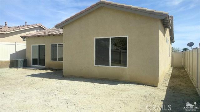 64172 Silver Star Avenue, Desert Hot Springs CA: http://media.crmls.org/medias/d0b977df-29f0-4e95-bc60-0b9c1d168212.jpg