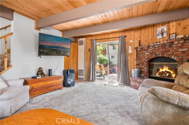 745 Barret Way, Big Bear CA: http://media.crmls.org/medias/d0bbb545-f016-4e68-b9c7-ff4c3b92d1ed.jpg