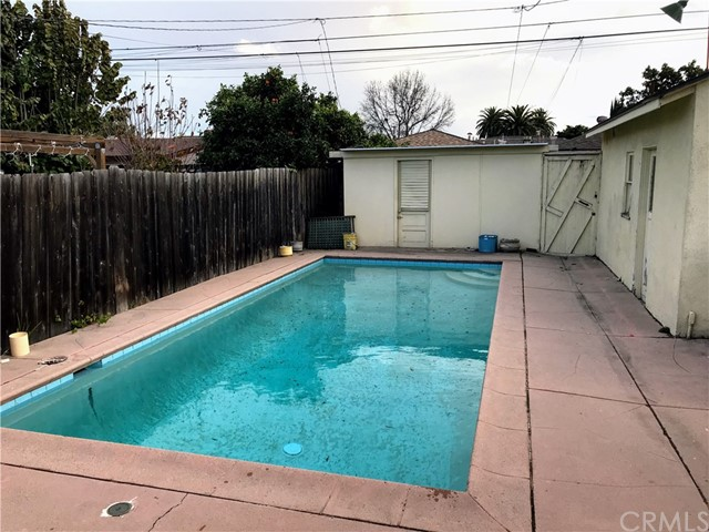 310 E Osgood St, Long Beach, CA 90805 Photo 12