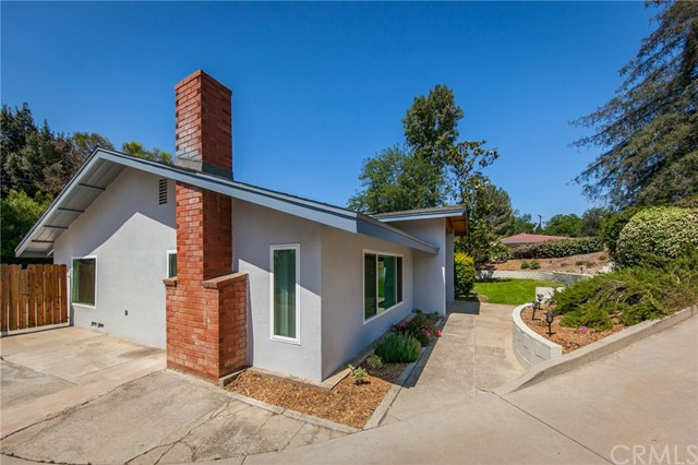 213 Eucalyptus Drive Redlands, CA 92373 - MLS #: EV18109805