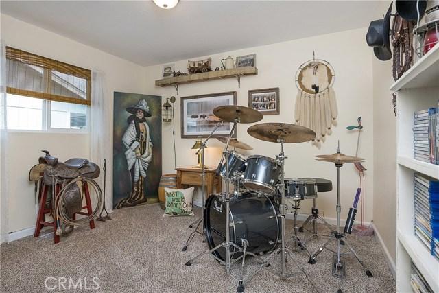 5582 Ponca Court, Kelseyville CA: http://media.crmls.org/medias/d0de850a-9023-4932-8f8e-2ddcb440509c.jpg