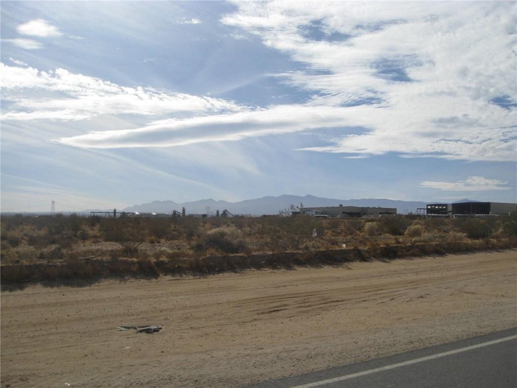11111 Rancho, Adelanto CA: http://media.crmls.org/medias/d0e5d104-e73e-4d60-b9dd-c3ac52f2276c.jpg