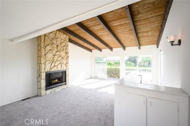 834 Lucia Avenue, Redondo Beach, California 90277, 2 Bedrooms Bedrooms, ,1 BathroomBathrooms,Townhouse,For Sale,Lucia,SB19263239