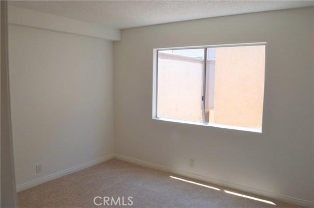 839 E 9th Street, Long Beach CA: http://media.crmls.org/medias/d0f41dc8-42d7-48f6-8efb-4d6e550ec0de.jpg