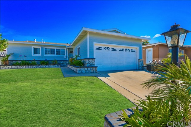 6340 Dashwood Street, Lakewood CA: http://media.crmls.org/medias/d0f59f9f-b561-41e6-9ec3-f6fa6ec52943.jpg