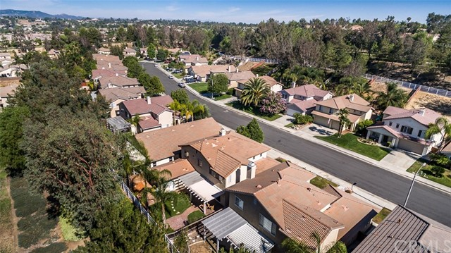 32399 Pensador Street Temecula, CA 92592 - MLS #: SW18167623