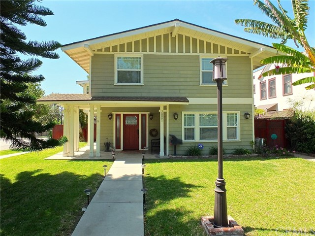 Single Family Home for Rent at 3801 Chestnut Avenue Long Beach, California 90807 United States