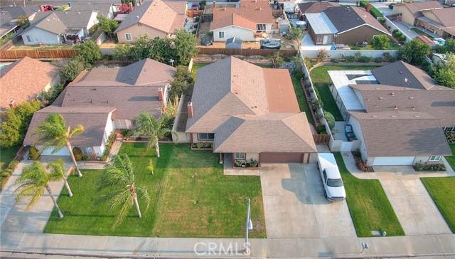 10078 Julian Drive, Riverside CA: http://media.crmls.org/medias/d10ae975-65cd-4c8f-8c77-f85cbbce5535.jpg
