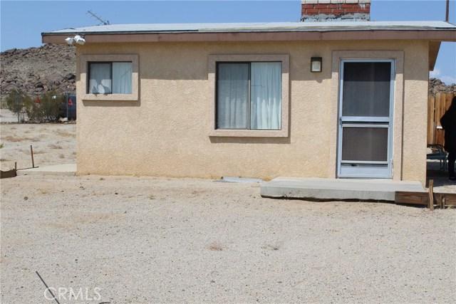 2055 Winfield Road, 29 Palms CA: http://media.crmls.org/medias/d11fc1ff-165d-4c61-b6a3-21c1ee3fc9a9.jpg