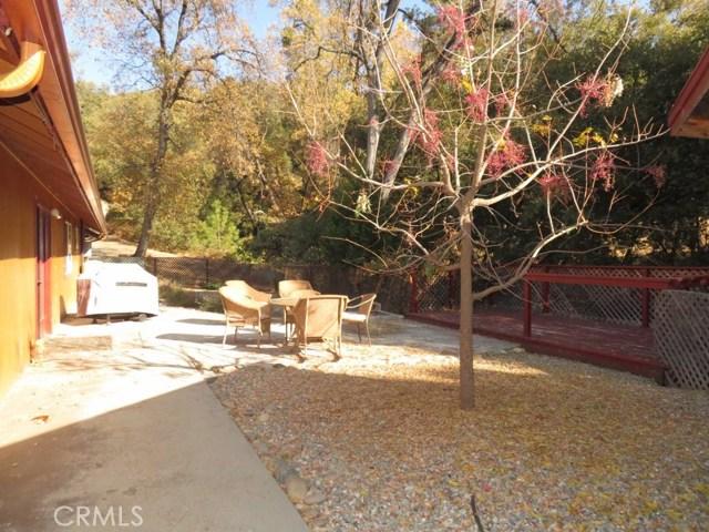 51802 Ponderosa Way, Oakhurst CA: http://media.crmls.org/medias/d121ddbc-edff-435c-bb05-71f43d22ca55.jpg