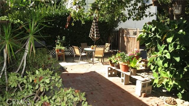 392 Ralcam Place, Costa Mesa CA: http://media.crmls.org/medias/d12640a4-5096-4c60-90be-c10eb1c6dee6.jpg