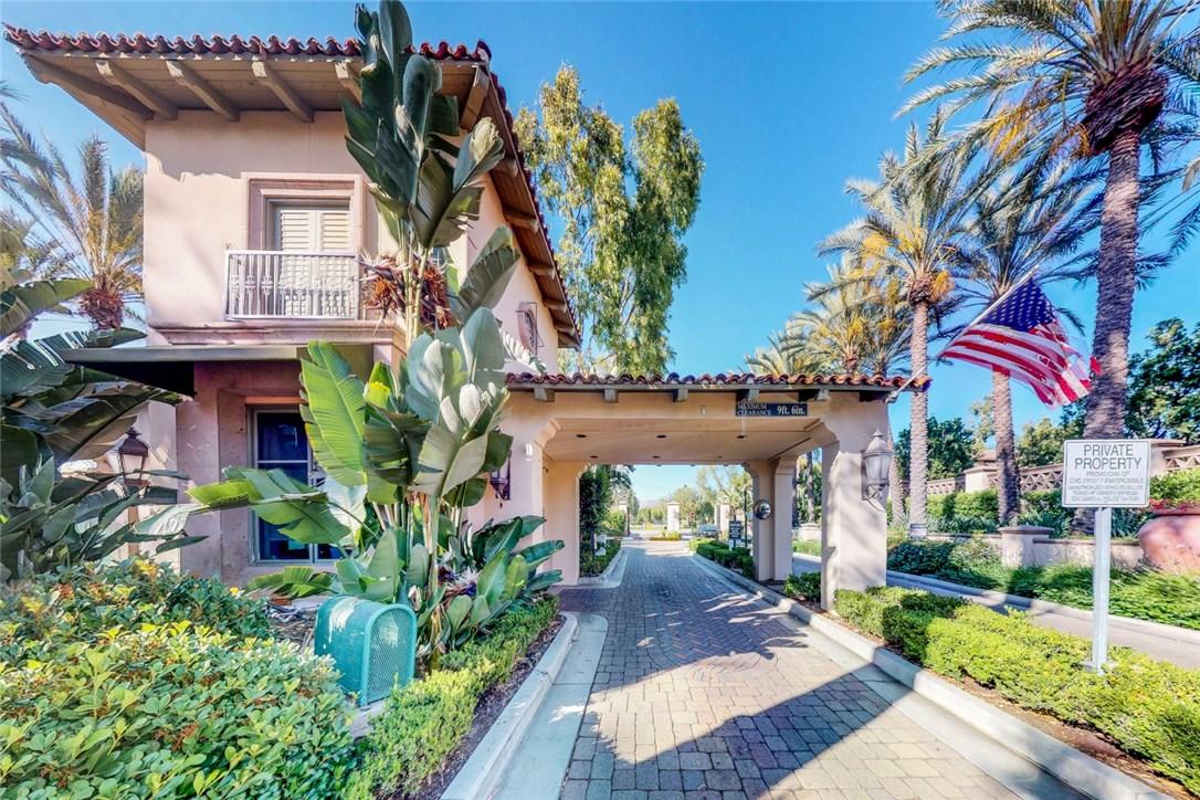 1306 Terra Bella, Irvine CA: http://media.crmls.org/medias/d126576c-fe24-43d9-b38f-b8a93d252f91.jpg