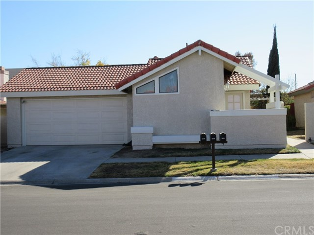Detail Gallery Image 1 of 14 For 16169 Tokay St, Victorville, CA 92395 - 3 Beds | 2 Baths