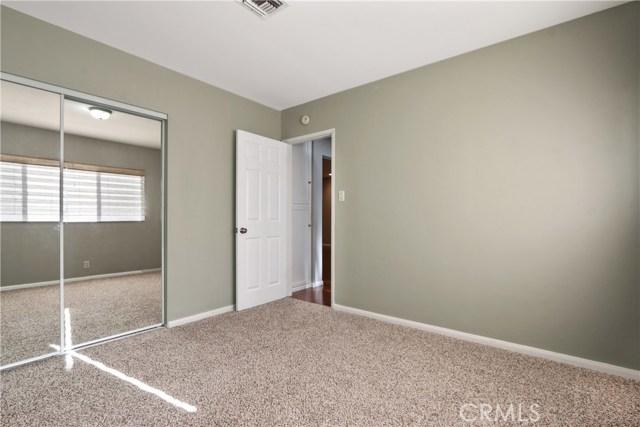 6340 Dashwood Street, Lakewood CA: http://media.crmls.org/medias/d136a258-2190-4def-b5ca-aa8114263d21.jpg