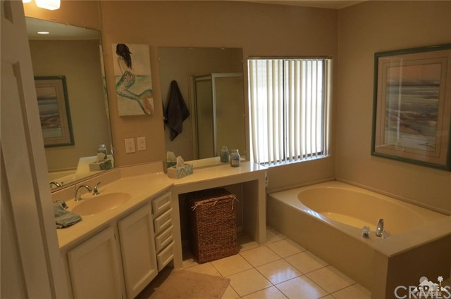 39160 Manzanita Drive, Palm Desert CA: http://media.crmls.org/medias/d1393506-25e0-416c-aac1-a390b438fa97.jpg