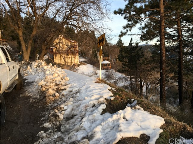 0 Old City Creek Road, Running Springs Area CA: http://media.crmls.org/medias/d1449f95-2092-4cc2-a104-7e4da83f306c.jpg