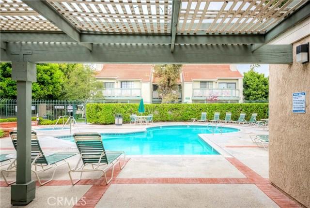 3553 W Greentree Cr, Anaheim, CA 92804 Photo 17