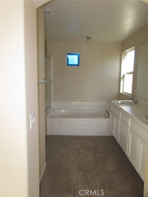 42205 57th W Street, Quartz Hill CA: http://media.crmls.org/medias/d148f1dc-1ca3-4165-8638-f1d6f35344c6.jpg