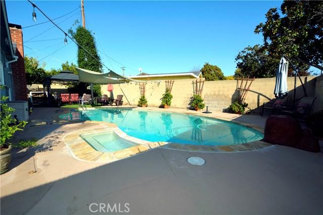 6767 Nixon Street, Lakewood CA: http://media.crmls.org/medias/d154573d-0332-4506-b5bd-61fdaa2df7b2.jpg