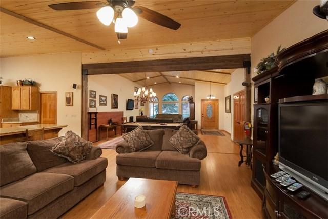 42336 Heavenly Valley Road, Big Bear CA: http://media.crmls.org/medias/d15bf604-5223-458b-93c2-a4604357ca34.jpg