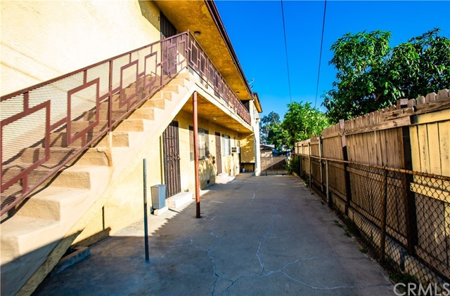 610 S S Breed, Los Angeles, CA 90023 Photo 9