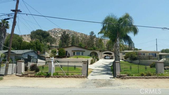 2527 Hillside Avenue, Norco, CA 92860