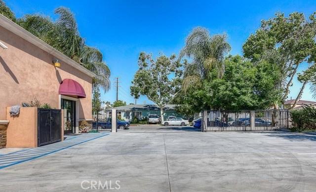 12074 Rosecrans Avenue, Norwalk CA: http://media.crmls.org/medias/d17b5eca-578a-4de4-bda2-e6e4db1c831d.jpg