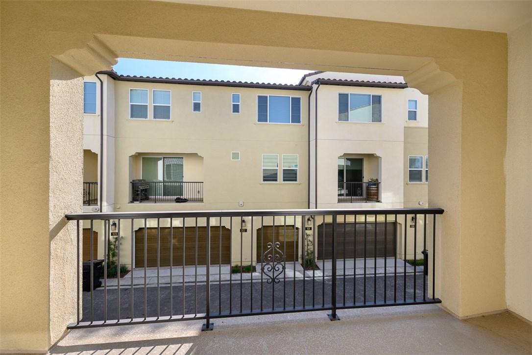 923 East Drapery Lane, Anaheim, CA 92802 Photo 9