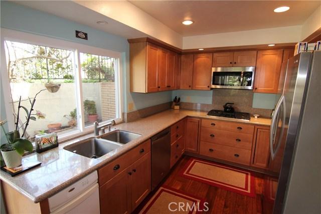 406 Plata, Newport Beach CA: http://media.crmls.org/medias/d18ff9cb-01f4-4a0f-a956-388a08d7982d.jpg