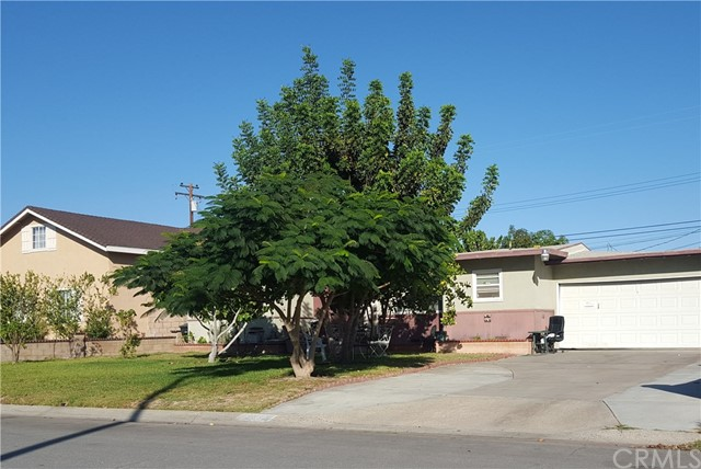 11852 Easy Way Garden Grove, CA 92840 is listed for sale as MLS Listing PW16729592