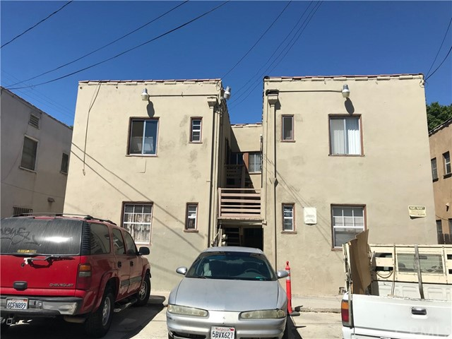 516 W 10th Street, Long Beach CA: http://media.crmls.org/medias/d1a7f7e1-20d9-49dc-800f-094a3e7d850c.jpg
