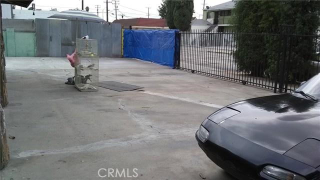 3205 Seminole Avenue, South Gate CA: http://media.crmls.org/medias/d1b41596-4115-4c4f-85d8-658aa1231769.jpg