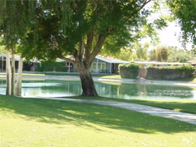 73450 Country Club Drive, Palm Desert CA: http://media.crmls.org/medias/d1b88087-5f0c-4087-a8d7-dd6f79eabb9f.jpg