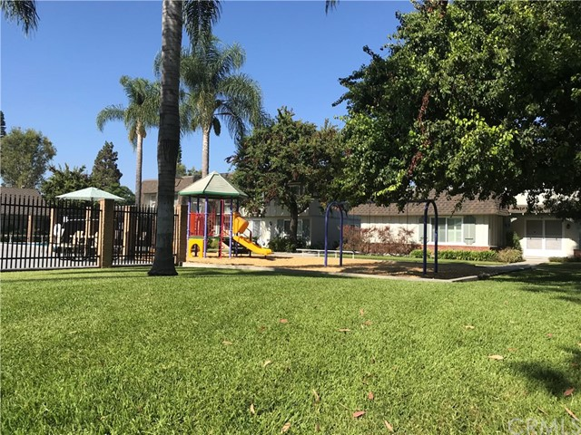4433 Larwin Avenue, Cypress CA: http://media.crmls.org/medias/d1b94e5b-f6eb-4415-95d7-8bfdaa108791.jpg