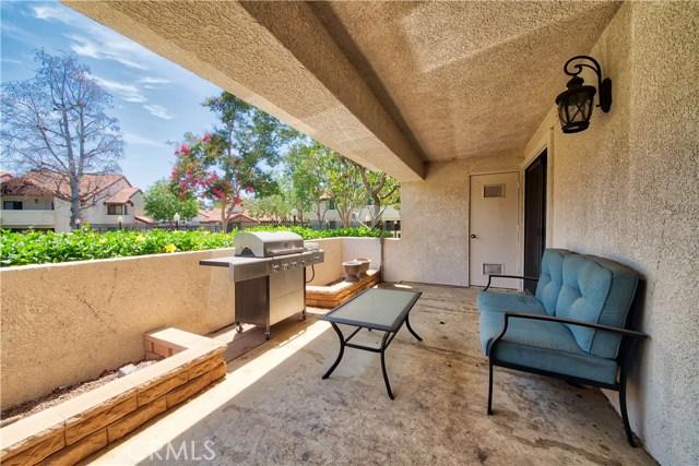 8319 Vineyard Avenue, Rancho Cucamonga CA: http://media.crmls.org/medias/d1c756f1-52b9-45bf-bdb5-738f9fb01552.jpg