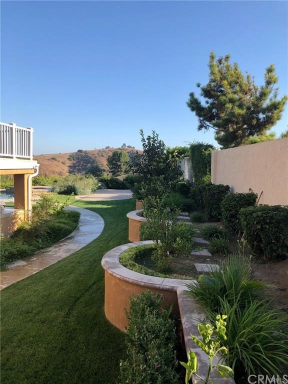 地址: 12750 Homeridge Lane, Chino Hills, CA 91709