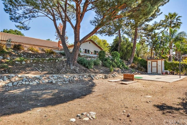 10425 Poplar Street, Rancho Cucamonga CA: http://media.crmls.org/medias/d1d29bbb-5c55-4c20-9788-40ad1fbb3ffa.jpg