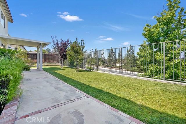 8399 Attica Drive, Riverside CA: http://media.crmls.org/medias/d1e2f534-31ed-4b90-8271-49514de4a664.jpg