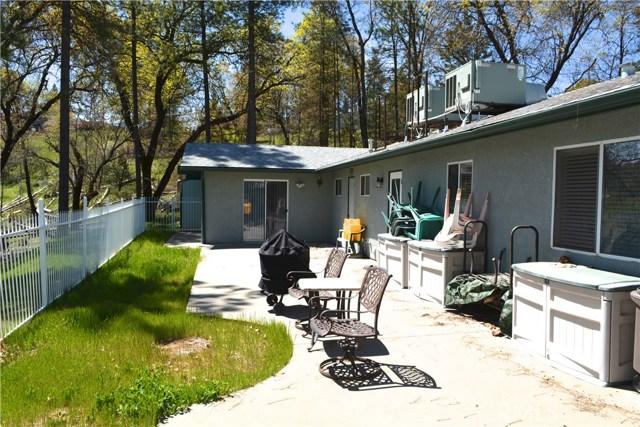34953 Church Ranch Road, North Fork CA: http://media.crmls.org/medias/d1e8e219-b48f-43dc-be6e-c29c3c412bac.jpg